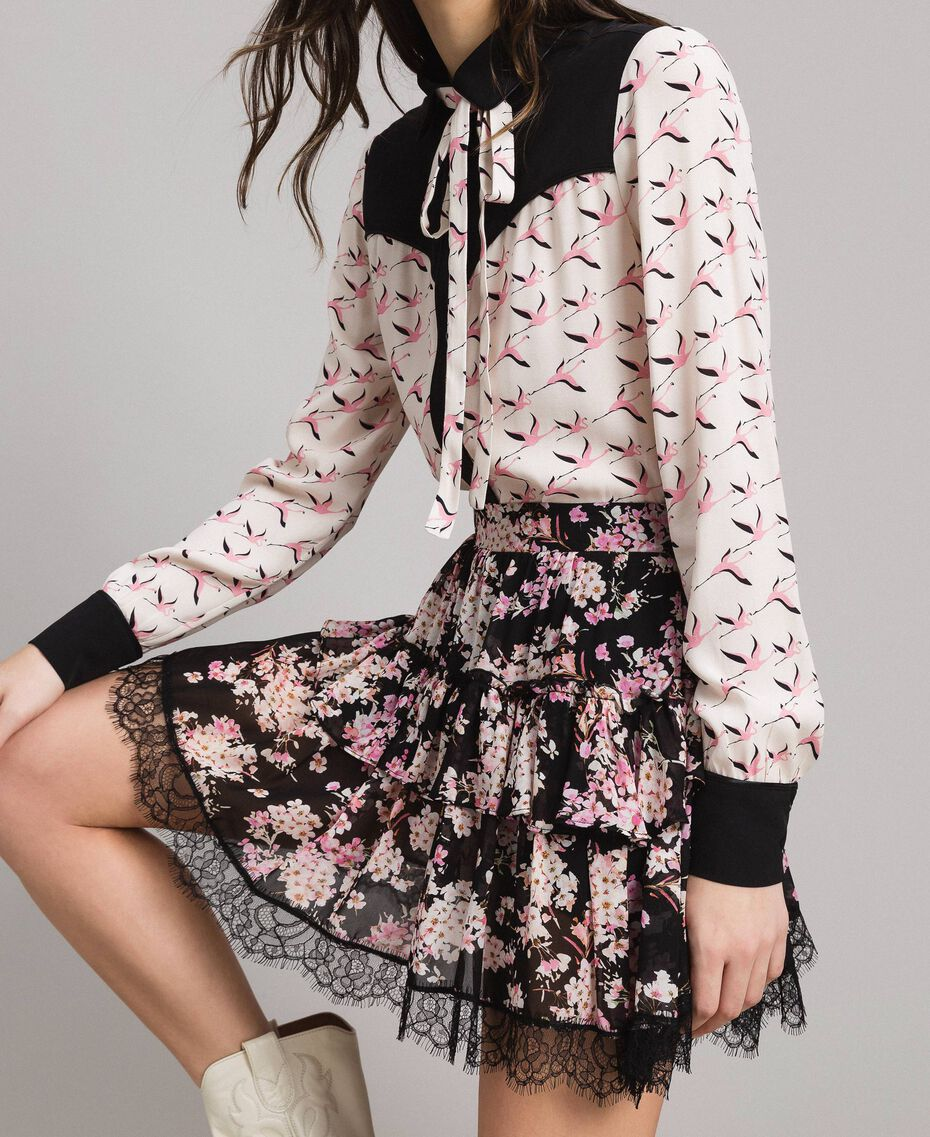 """Minijupe volantée en crêpe georgette floral Imprimé Noir Rose """"Bouquet Rose"""" Femme 191TP2714-01"""