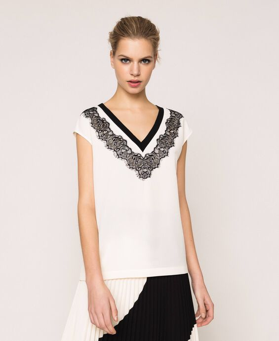 Crêpe de Chine top with lace