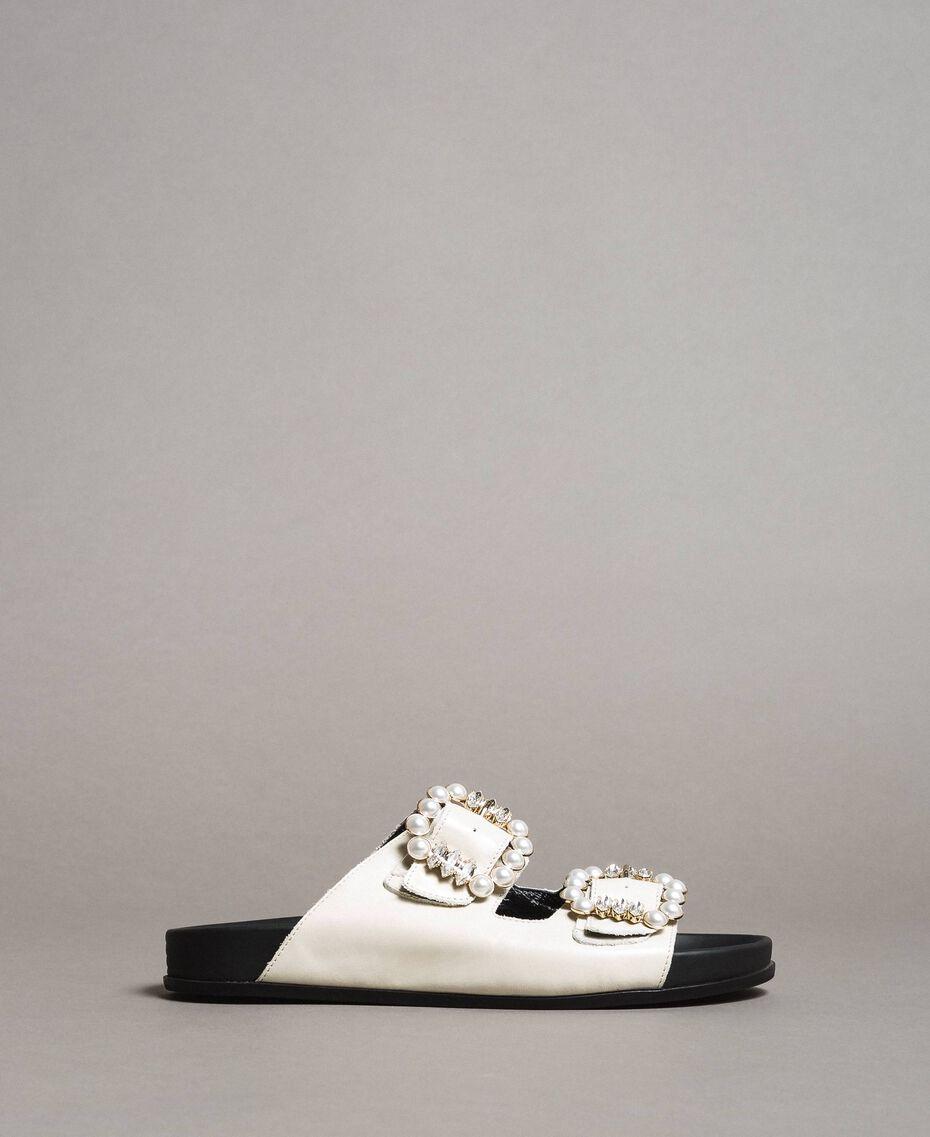Leder-Sandalen mit Schnallen und Perlen Weiß Schnee Frau 191TCT09A-03