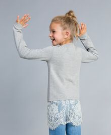 Sweatshirt aus Stretch-Baumwolle mit Raffung Zweifarbig Hellgrau-Melange / Off White Kind GA82GB-03