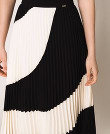 "Pleated crêpe de Chine midi skirt Two-tone ""Silk"" White / Black Woman 201ST2013-05"