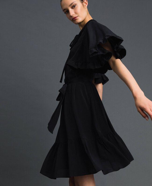 Kleid aus Crêpe de Chine aus Seidenmischung Schwarz Frau 192TP2261-03