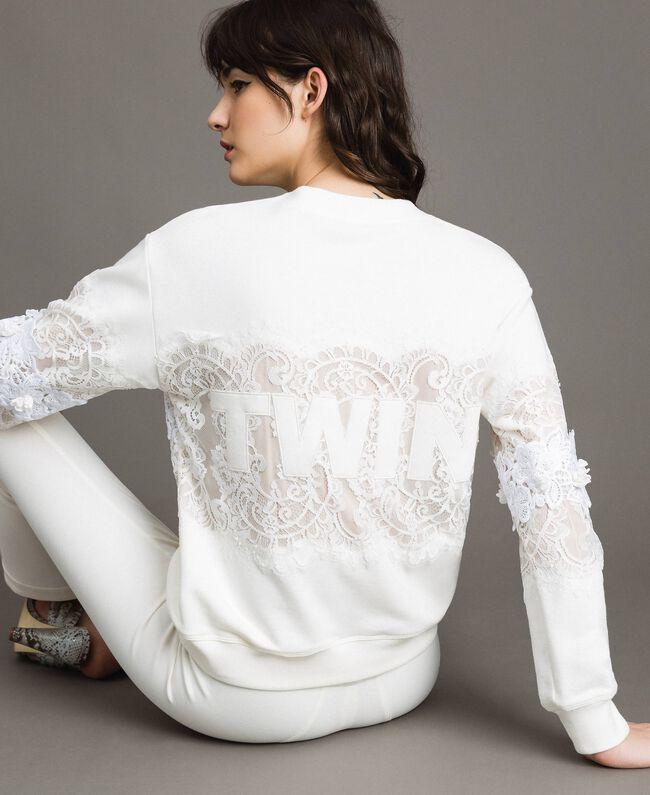 Sweatshirt mit Spitze und Makramee Milchweiß Frau 191TP2592-04