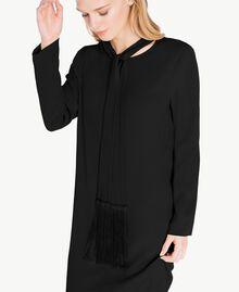 Kleid mit Schärpe aus Cady Schwarz PA726G-04