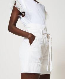 High-Waist-Shorts mit Gürtel Weiß Schnee Frau 211TT2330-04