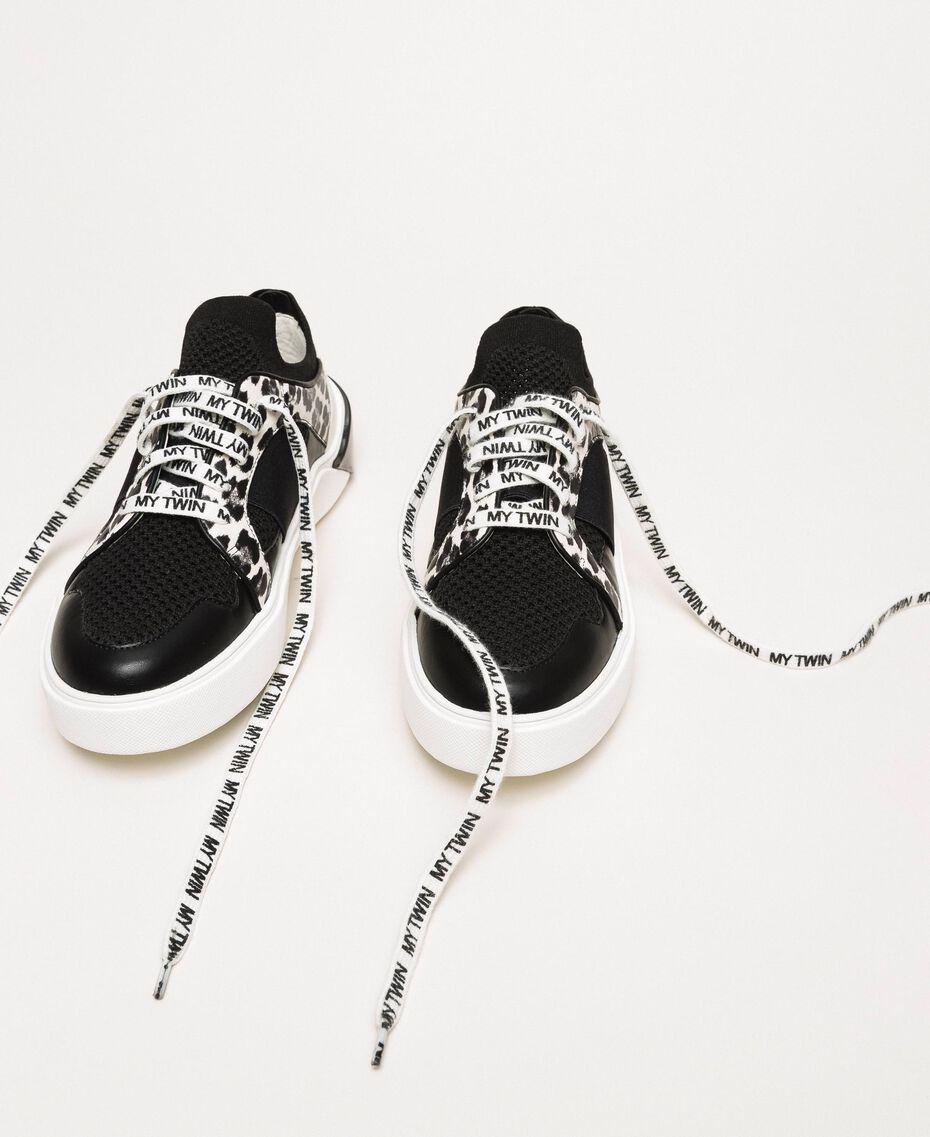 Baskets en filet avec détail animalier Bicolore Noir / Imprimé Animalier Femme 201MCP132-01