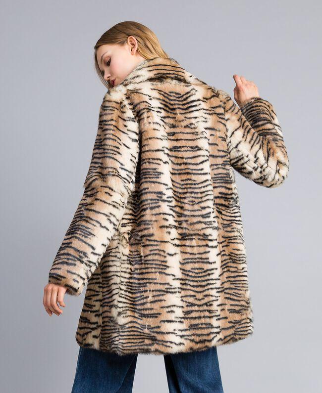 """Mantel aus bedrucktem Kaninchenfell Print """"Tiger"""" Frau TA82AN-03"""