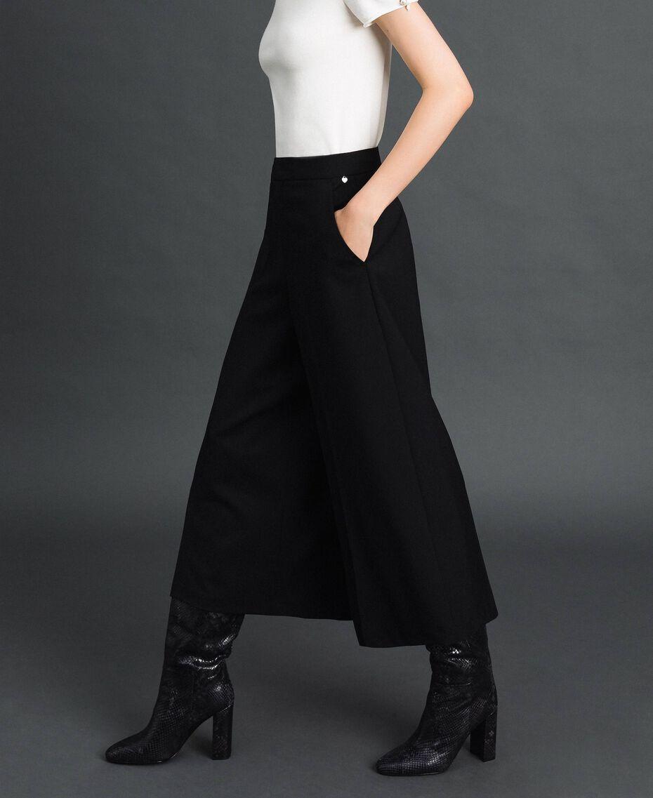 Cropped-Hose aus Wolle Schwarz Frau 192TP2352-02