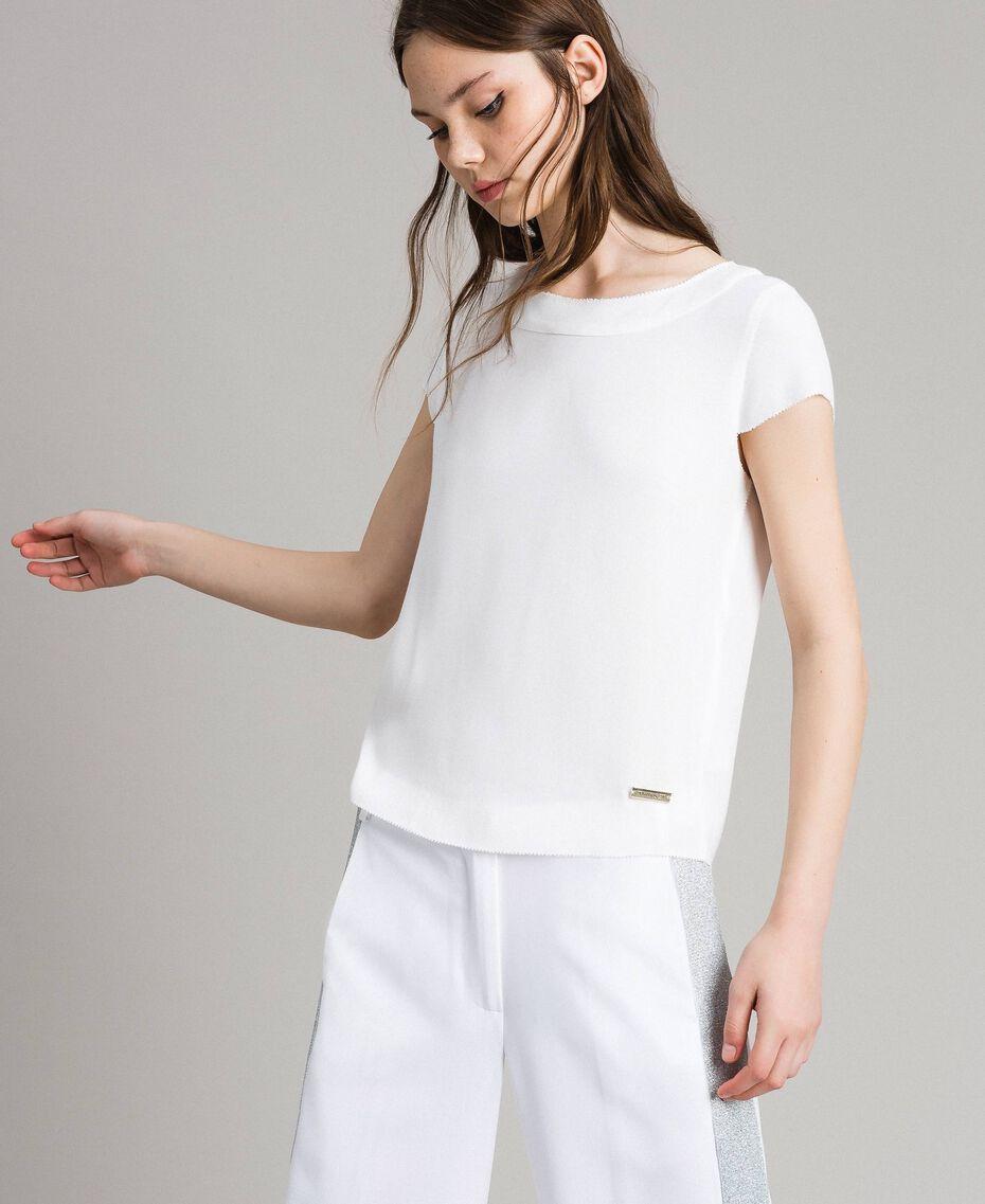 Krepp-T-Shirt mit Ausschnitt Weiß Frau 191LL23CC-02