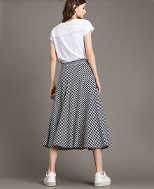 Jupe mi-longue à rayures bicolores Rayures Blanc Cassé / Ombre Bleue Femme 191ST2036-03
