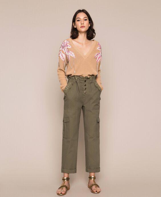 Парусиновые брюки с вышивкой сангалло