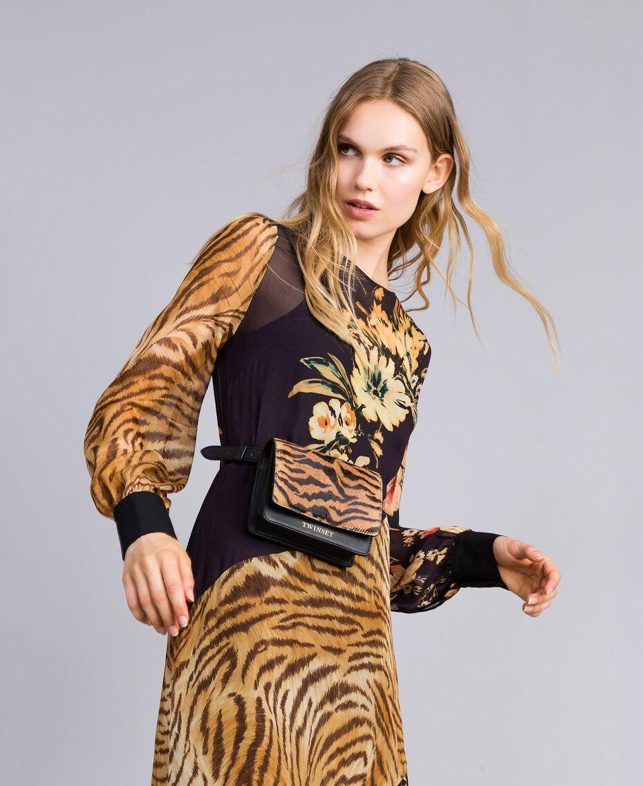 Robe longue avec mélange d'imprimés Imprimé Mélangé Fleurs & Tigre Femme TA825B-0T