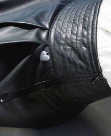 High-Waist-Shorts aus Lederimitat Schwarz Frau 202TP2060-05
