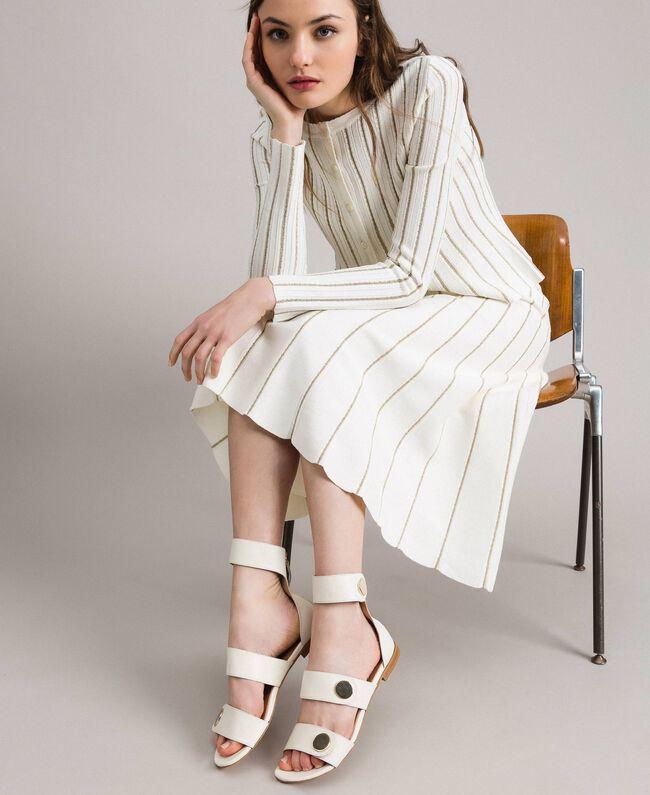 Sandale aus Leder mit Knöpfen Weiß Schnee Frau 191TCP094-0S