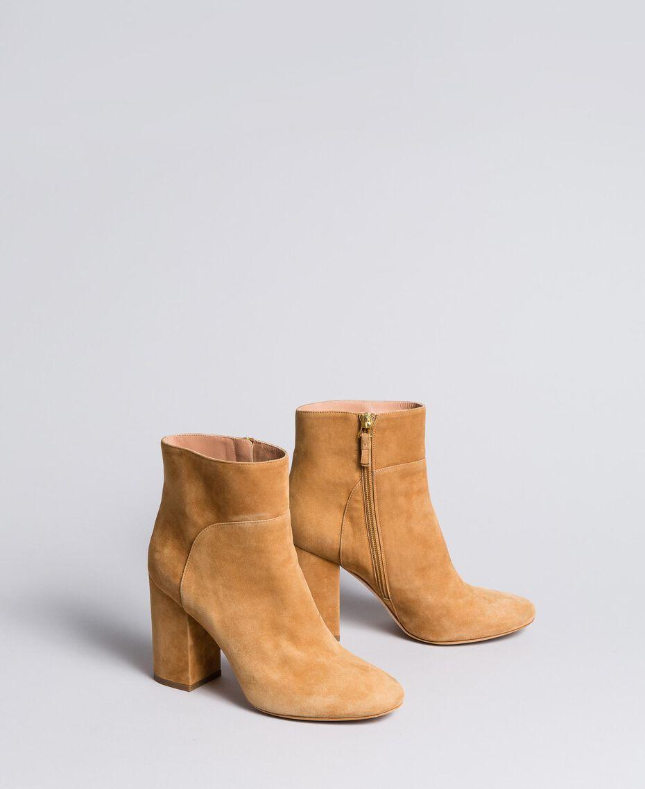Ankle-Boot aus Leder Camel Frau CA8PL1-02
