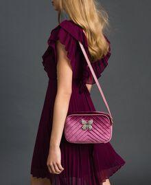 Sac à bandoulière en velours avec papillon Rose Poudre Femme 192TA7091-0S