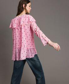 Блуза из жоржета с принтом Принт В Гортензиево-Розовые Сердечки И Горошек женщина 191MP2381-03