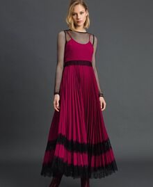 Lace slip dress Beet Red / Black Woman 192TP2282-02