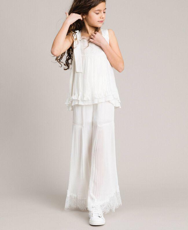 cheaper fcf97 e6018 Pantaloni in georgette plissé e pizzo Bambina, Bianco ...