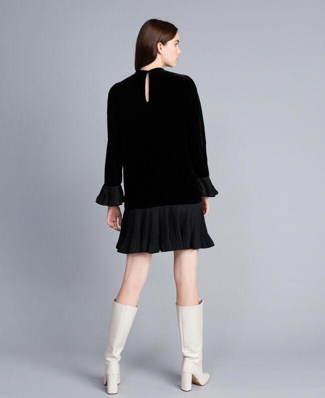 Robe en velours avec plissé Noir Femme TA828P-04