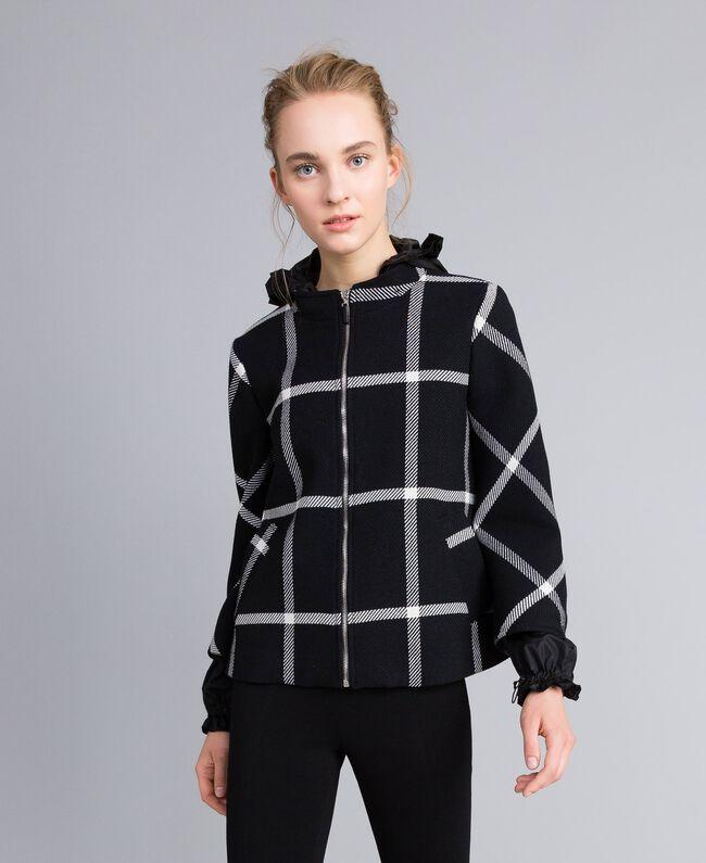 Manteau court en drap à carreaux Bicolore Carreaux Noir / Blanc Neige Femme PA826Y-01
