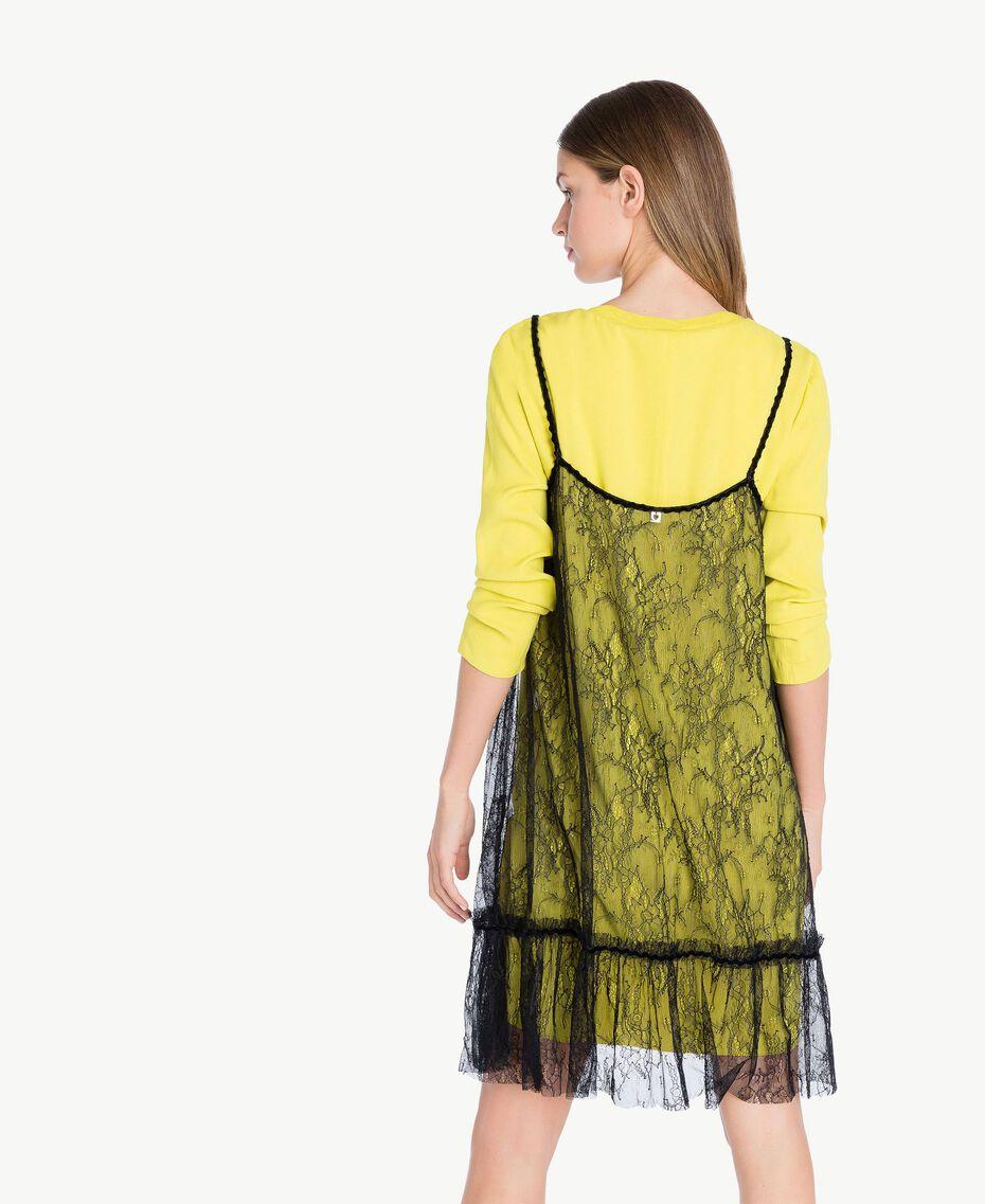 Kleid im Unterkleidstil mit Spitze Schwarz Weiblich PA72YE-03