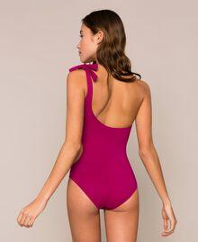 Einschultriger Badeanzug mit Logo Hot Fuchsia Frau 201LBMHYY-03