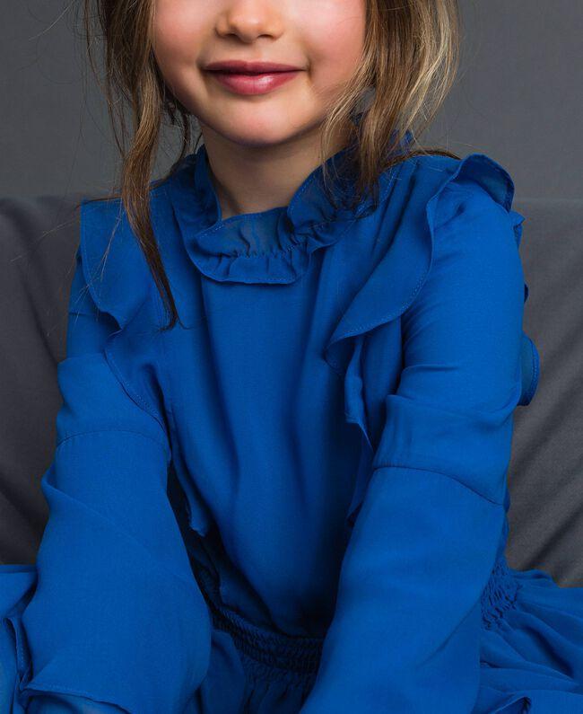 Kleid aus Georgette mit Volants Mittelmeerblau Kind 192GJ2350-04