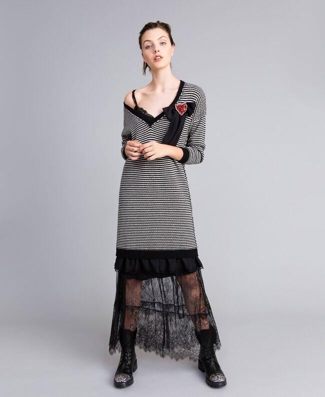 Robe à rayures bicolores avec dentelle Bicolore Rayure Noir / Blanc Neige Femme PA8342-01