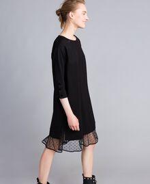 Kleid aus Interlock-Jersey mit Flockknöpfen Schwarz Frau PA82BP-02