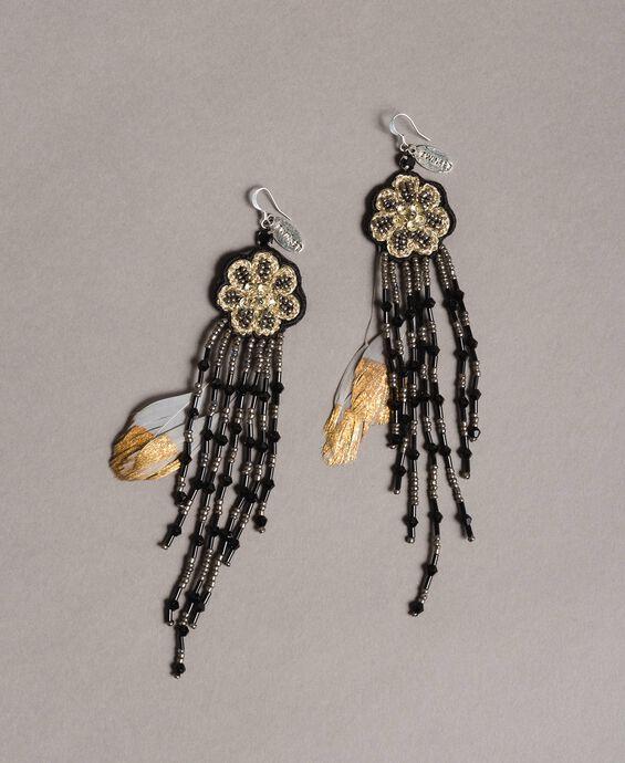Ohrringe mit Blumen- und Perlenfransen