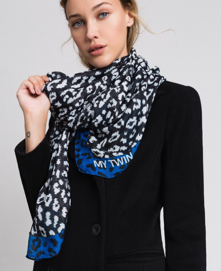 Contrasting animal print scarf Black / Japanese Blue Animal Print Woman 192MA4329-0S