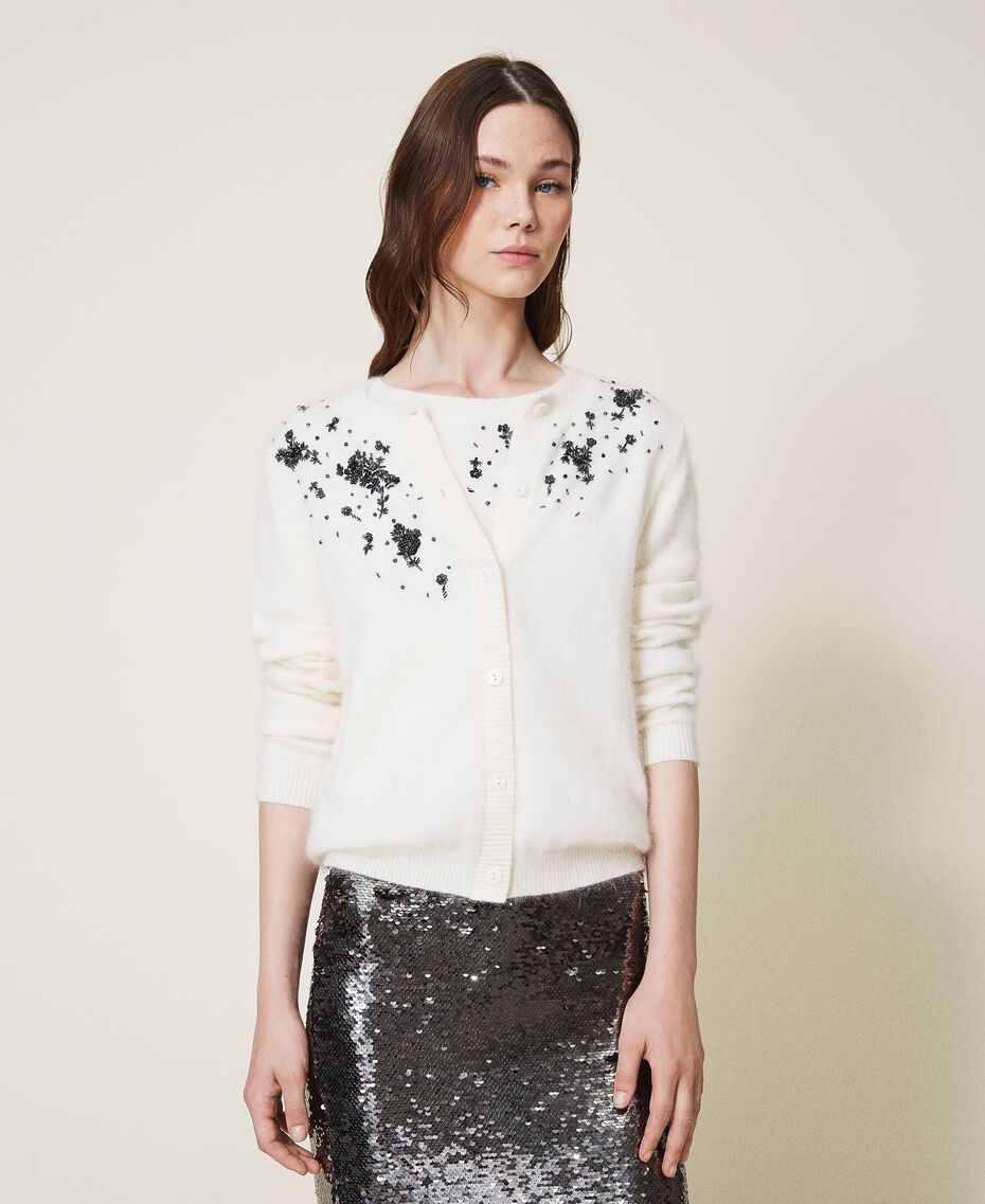 Round neck cardigan and jumper with floral embroidery Creamy White Woman 202TP3360-01