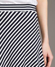 Jupe mi-longue à rayures bicolores Rayures Blanc Cassé / Ombre Bleue Femme 191ST2036-04
