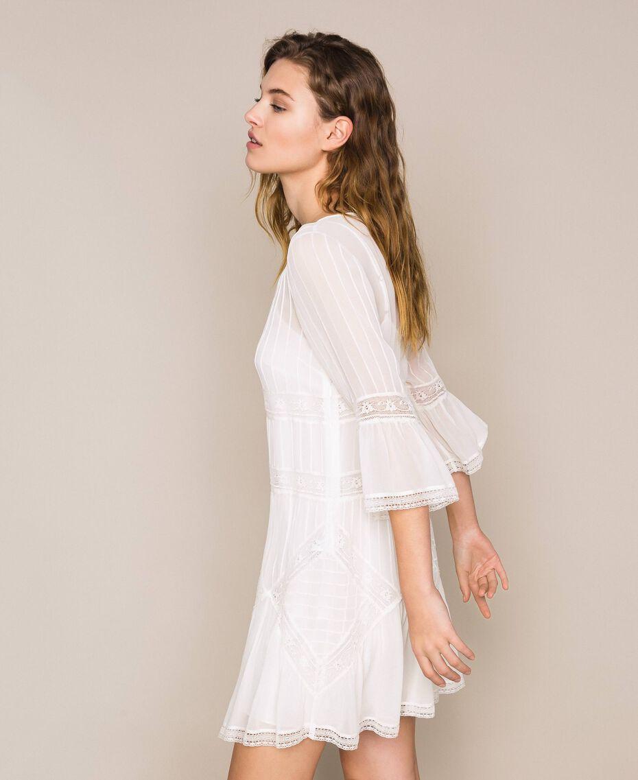 Robe en crêpe georgette avec broderies et dentelle Blanc Antique White Femme 201TT2082-02