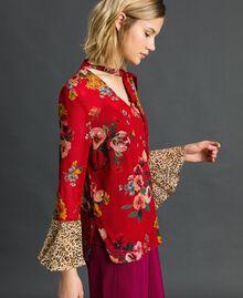Bluse mit Blumen-Animal-Print Feldblumenprint Granatapfel Frau 192TP2751-01