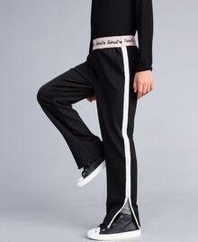 Pantaloni in tessuto tecnico con logo Bicolor Nero / Off White Bambina GA82PP-04