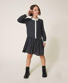 Hemdblusenkleid mit Sternchen Zweifarbiger Sternprint Schwarz / Schneeweiß Kind 202GJ2630-01
