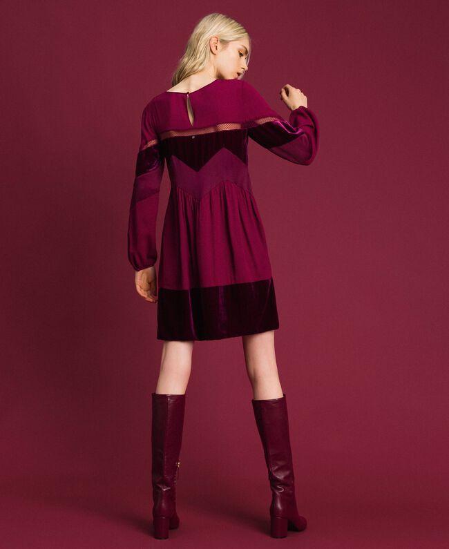 Kleid mit Samtdetails Samtrot Frau 192TT2281-03