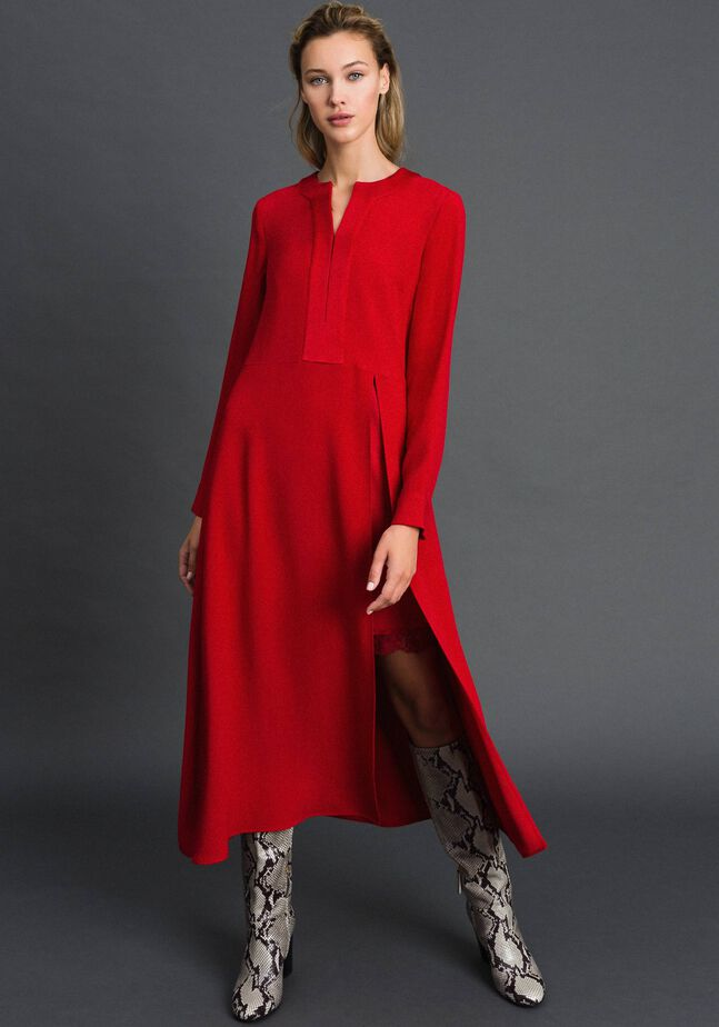 Robe mi-longue avec fond de robe