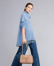 Umhängetasche aus Nylon mit Ketten und Charms Camel Frau AA8PFC-0S