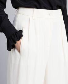 Pantaloni cropped in envers satin Bianco Neve Donna TA824K-04