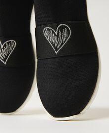 Sneakers con bordado de corazón Negro Niño 211GCJ030-04