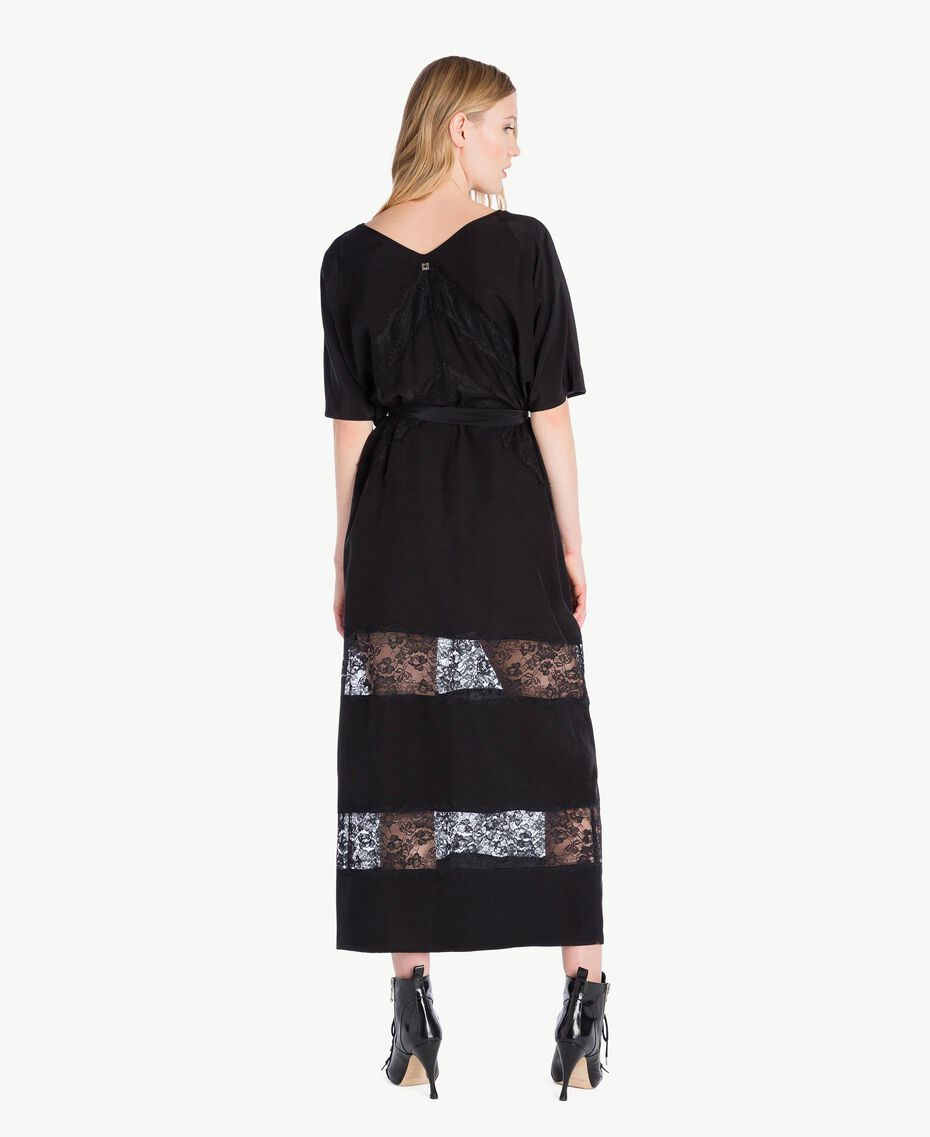 Langes Kleid aus Seide Schwarz Frau PS82Z2-03