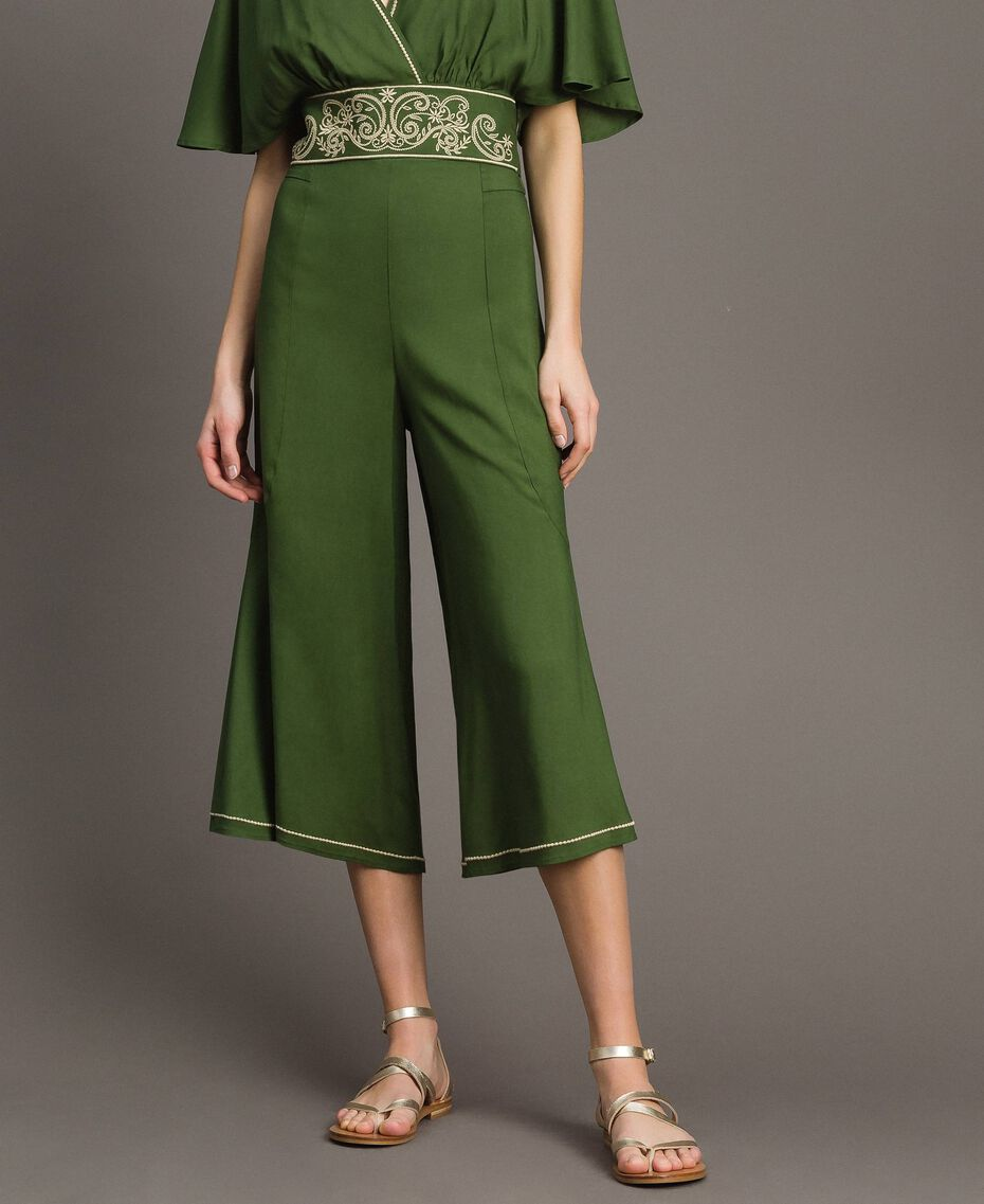 Cropped trousers Amazon Green Woman 191LM2REE-01