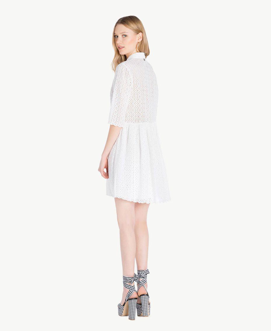 Kleid mit St. Galler Stickerei Mattweiß Frau YS82CA-03