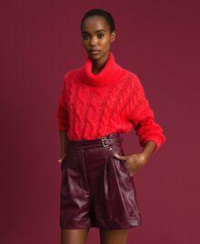 Short en similicuir Rouge Velours Femme 192TT203A-04