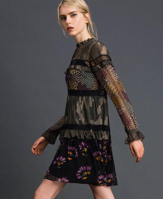 Robe avec imprimé camouflage et floral