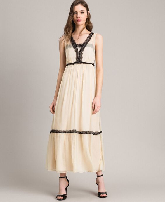 Crepon long dress with lace