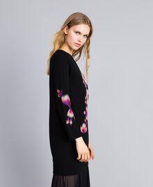Kleid aus Wollmischung mit Stickerei 3D-Stickerei Schwarz Frau TA83JA-02